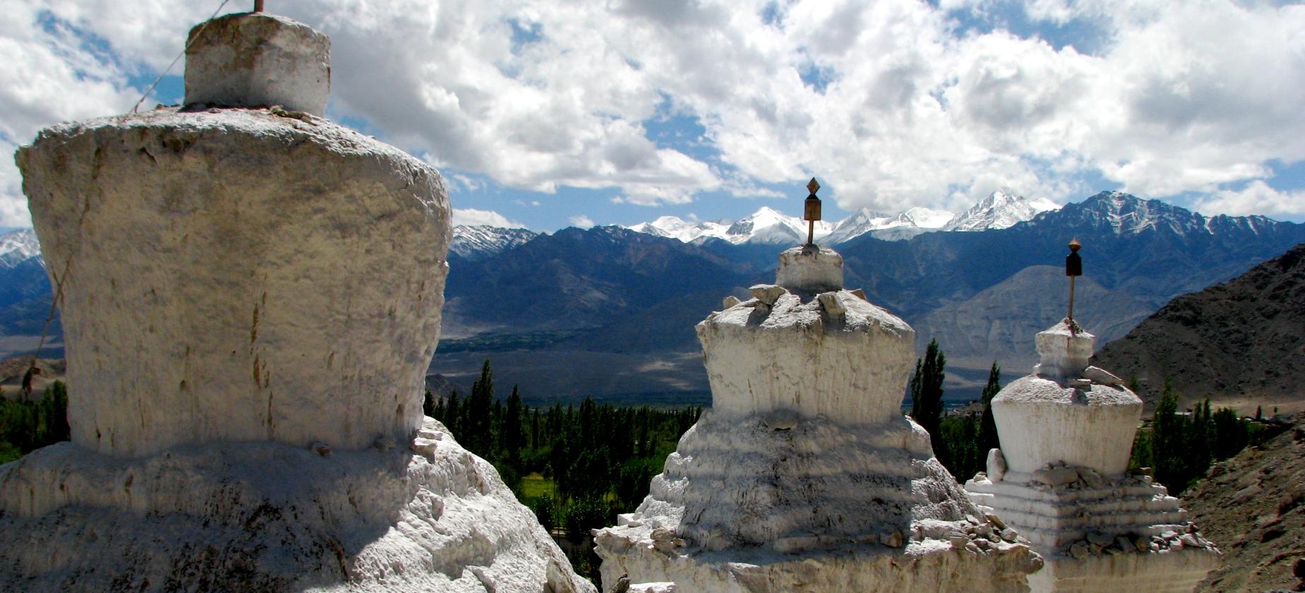 Pasaule Himalaju pakājē