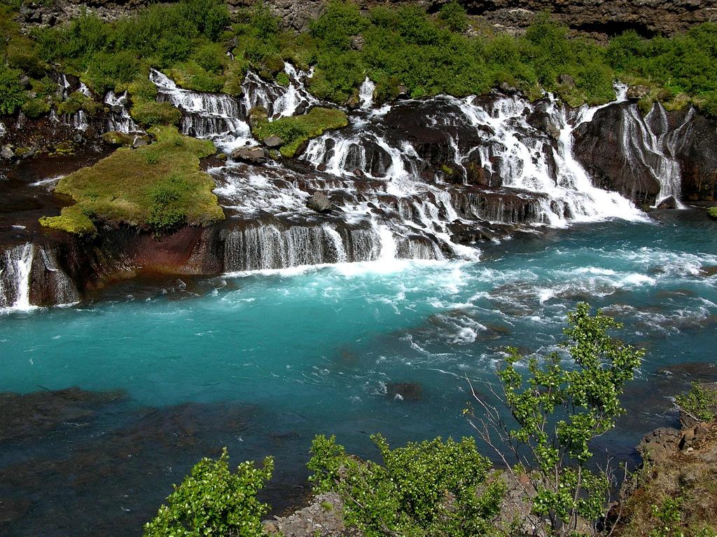 Hraunfossar ūdenskritums