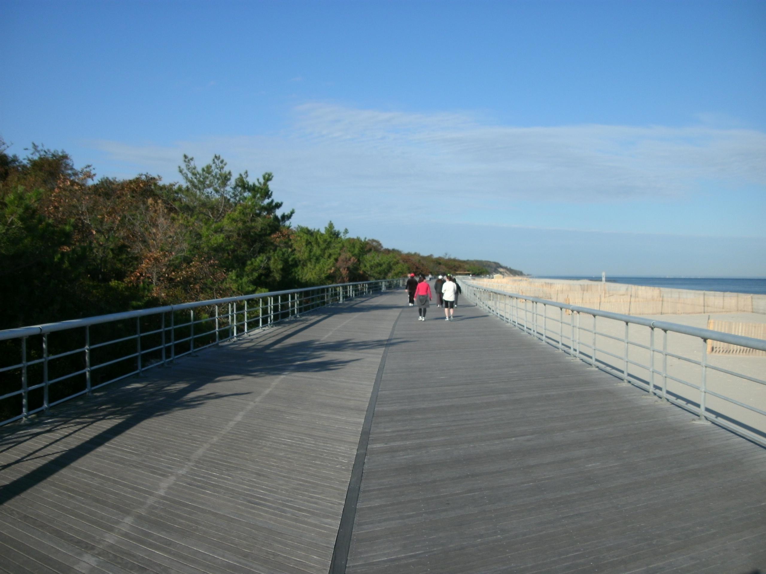 Kāpas un pludmale Sunken Meadow State parkā, Kings Parka, Ņujorkas štats