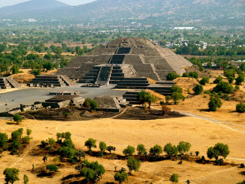 Teotivakānas piramīdas